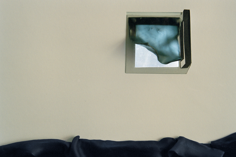 10_Untitled 2005, © popel coumou 87 x 130 cm | 47,5 x 70 cm